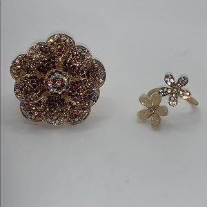 Jewelry - Pretty glam sparkly ring lot one size 7 and adjust